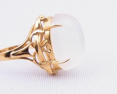 ムーンストーンの指輪をペンダントにリフォーム