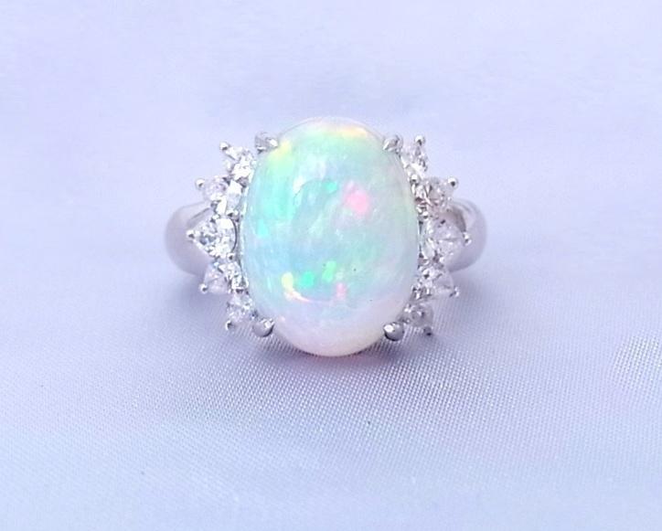 オパール (ホワイト)ダイヤモンド リング