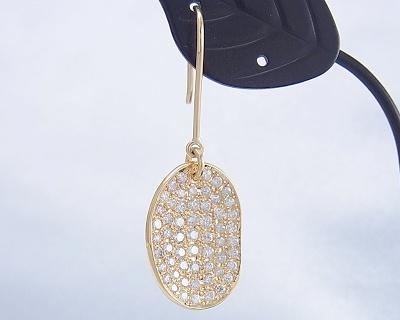 ダイヤモンド ピアス(釣り針タイプ)