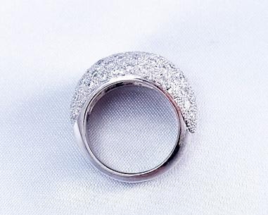 ダイヤモンドのパヴェリング