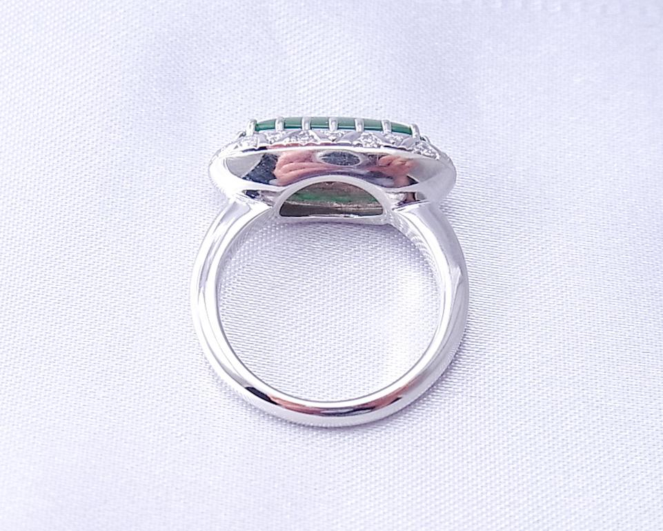翡翠のリング