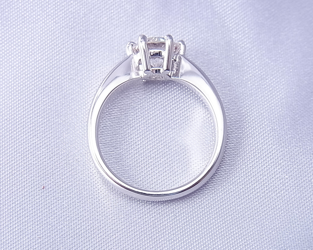 ダイヤモンドのリング