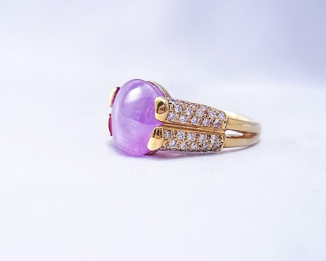 やわらかなパープルのスターサファイアとダイヤモンドの指輪