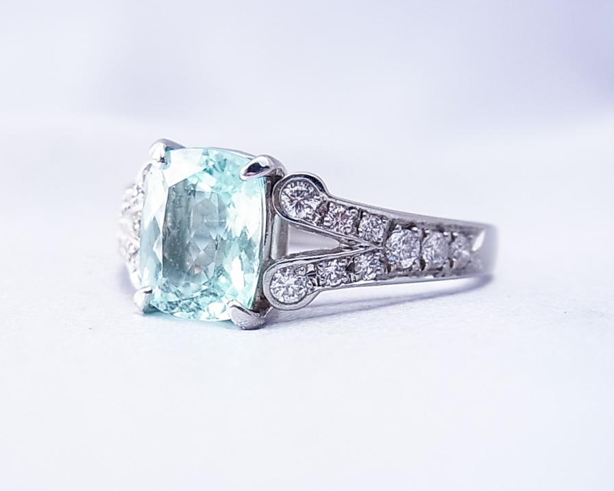 やわらかい雰囲気のトルマリンとダイヤモンドの指輪