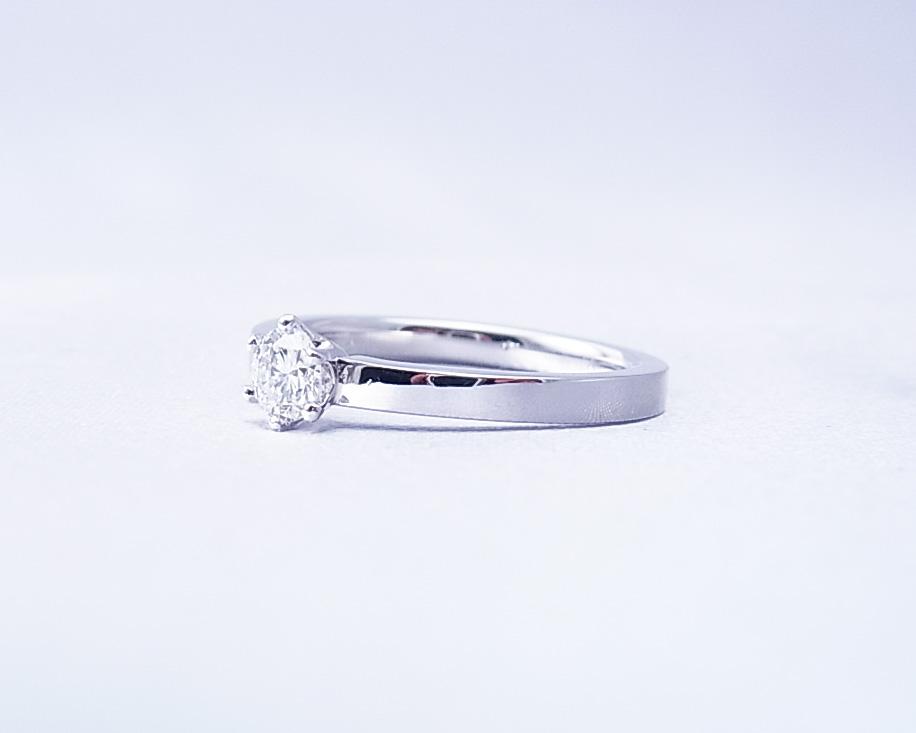 ダイヤモンドのペンダントをシンプルな指輪にリフォームしました