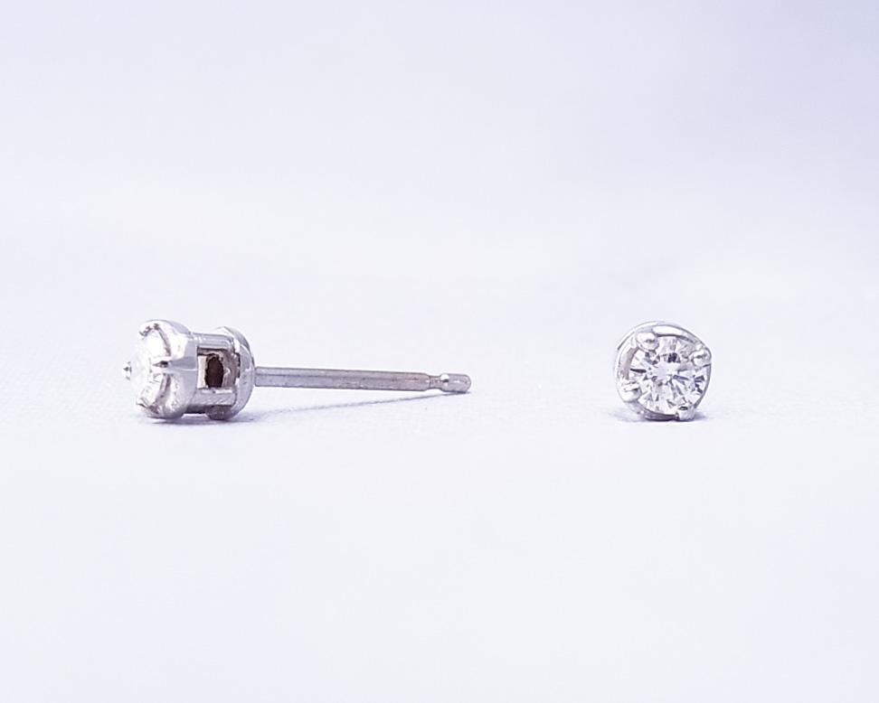 0.15ctダイヤモンド1粒のピアス