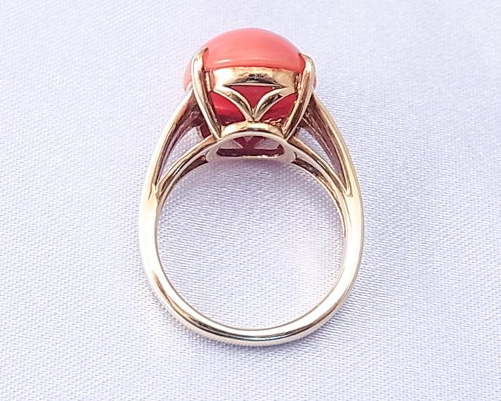 モモイロサンゴの指輪