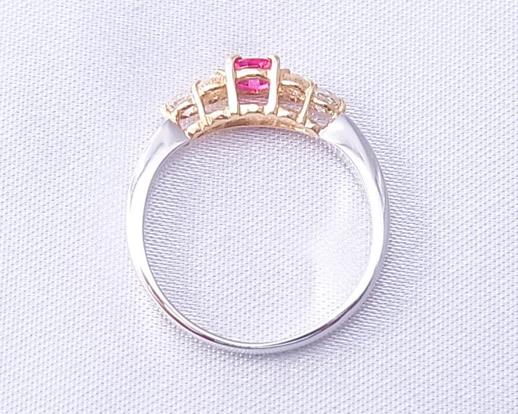 ルビーとダイヤモンドの小さな指輪