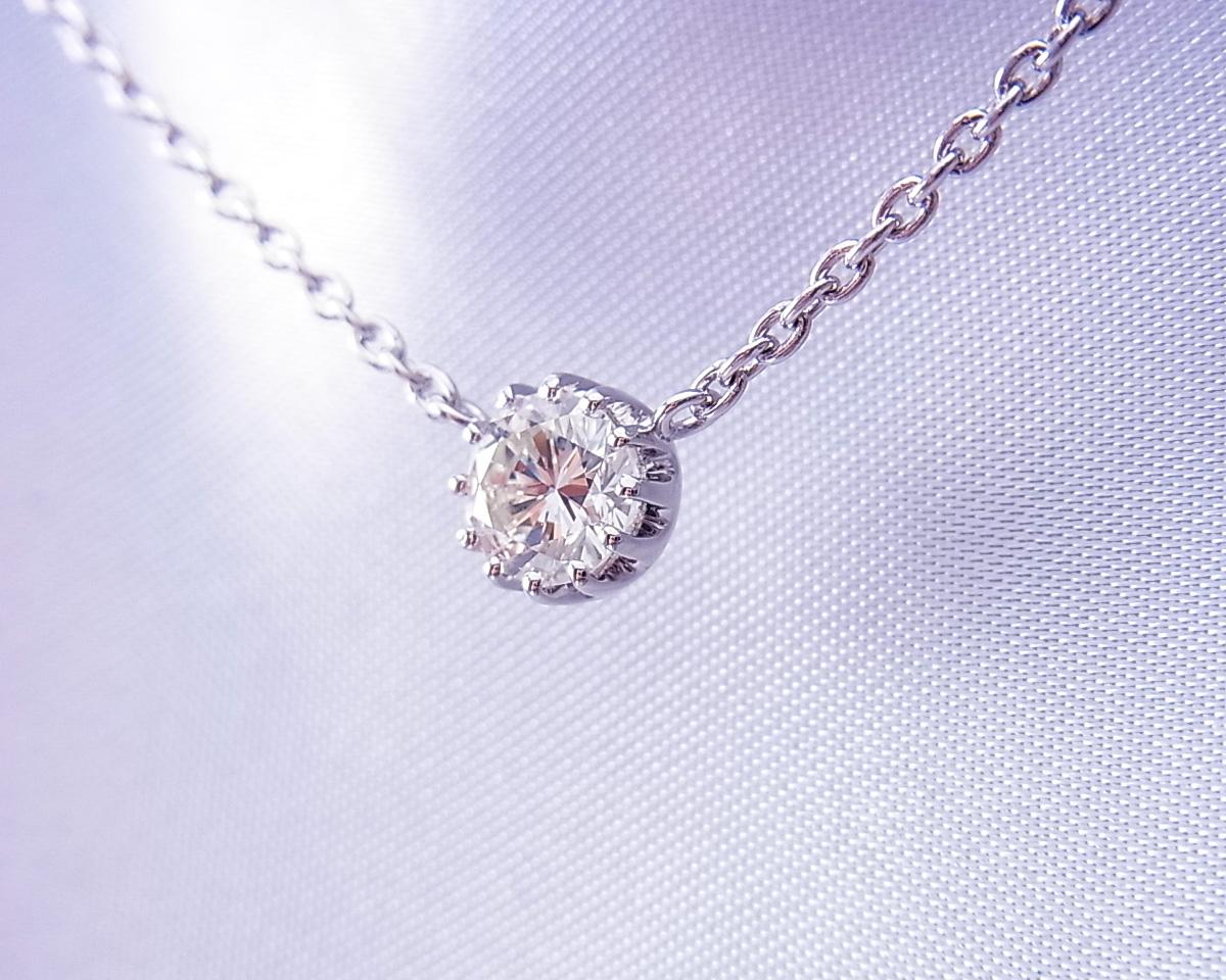 ダイヤモンド1粒のペンダントネックレス
