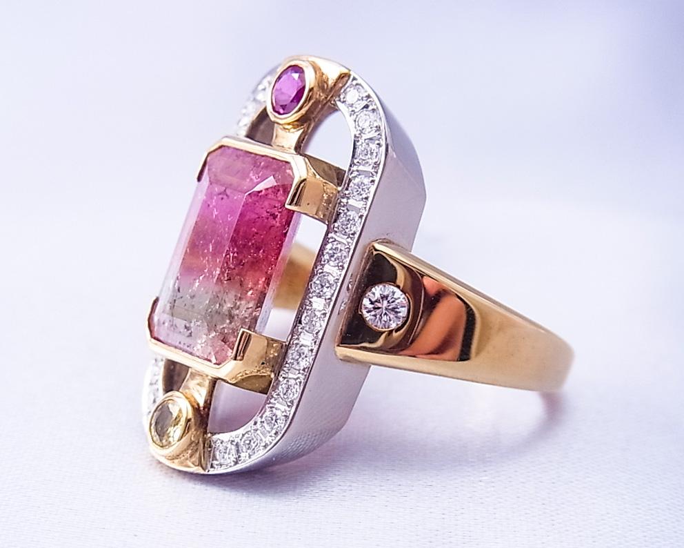 トルマリンとダイヤモンドとカラーストーンを使った華やかな指輪
